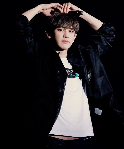 Image via We Heart It https://weheartit.com/entry/169049754/via/30920388 #asian #cute #exo #heart #korean #kpop #sexy #singer #happyvirus #exok #chanyeol