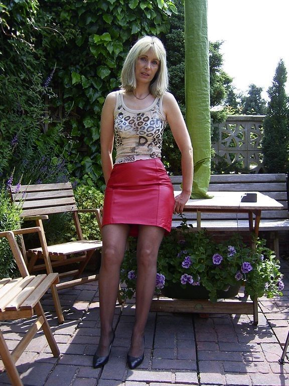 Pin By Petri Kuokkanen On Leather Skirt In 2019  Mature -8461