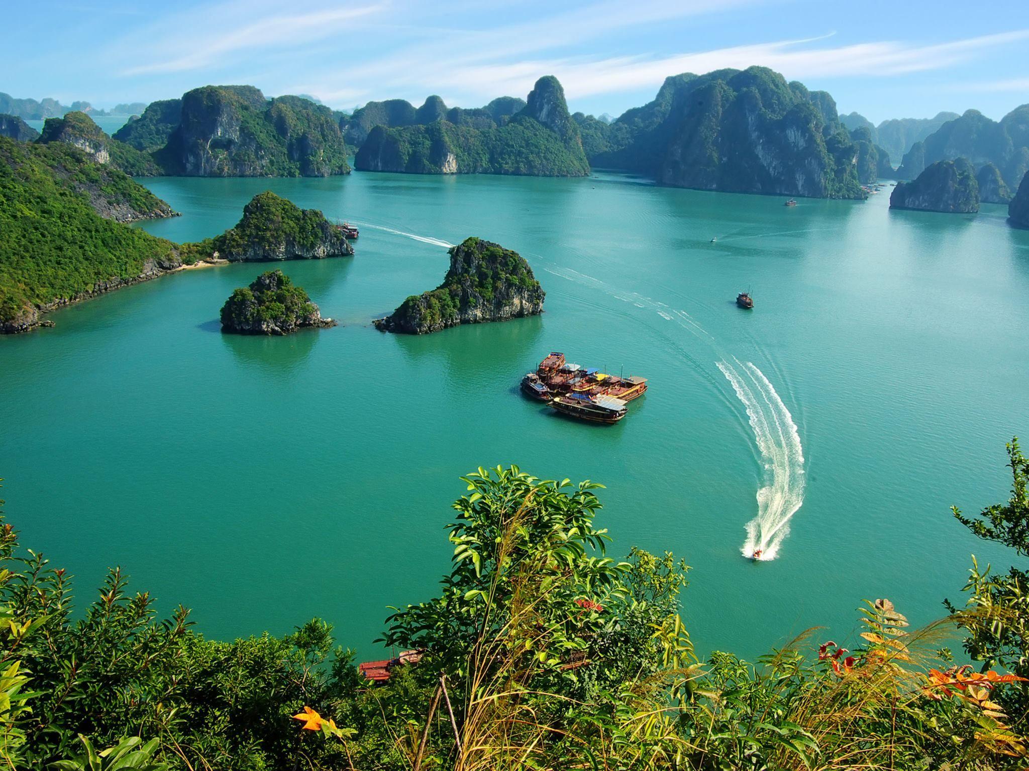 Ha Long Bay - Viet Nam