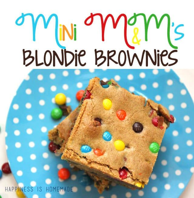 These M&M Blondie Brownies made with Mini M&'s are sure to be a HUGE hit at your next class or office party, bake sale or holiday gathering! #BakingIdeas #bakesaleideas