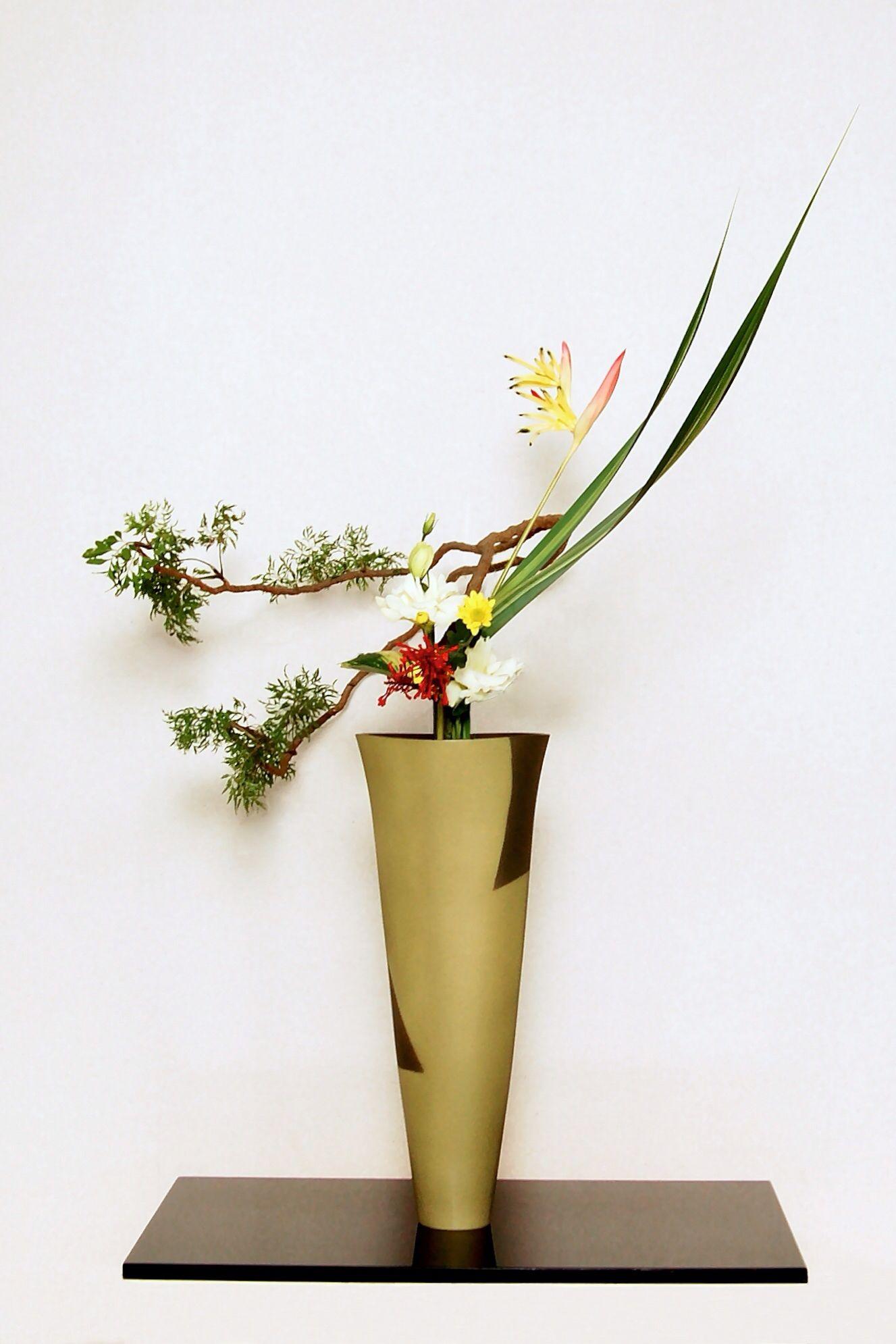 Ikebana ikenobo rikka shimputai by Lusy Wahyudi. Indonesia