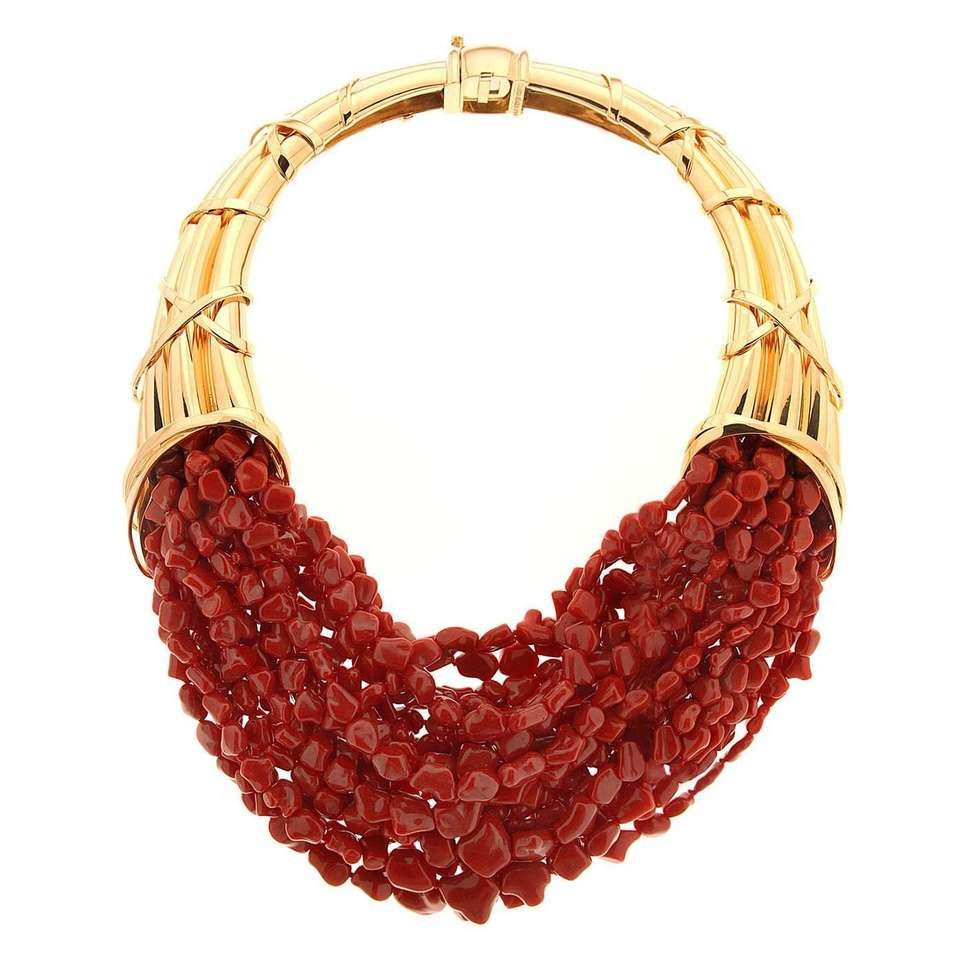 acb2282657bae Valentin Magro Horn of Plenty Coral Gold Necklace   Joias de Coral ...
