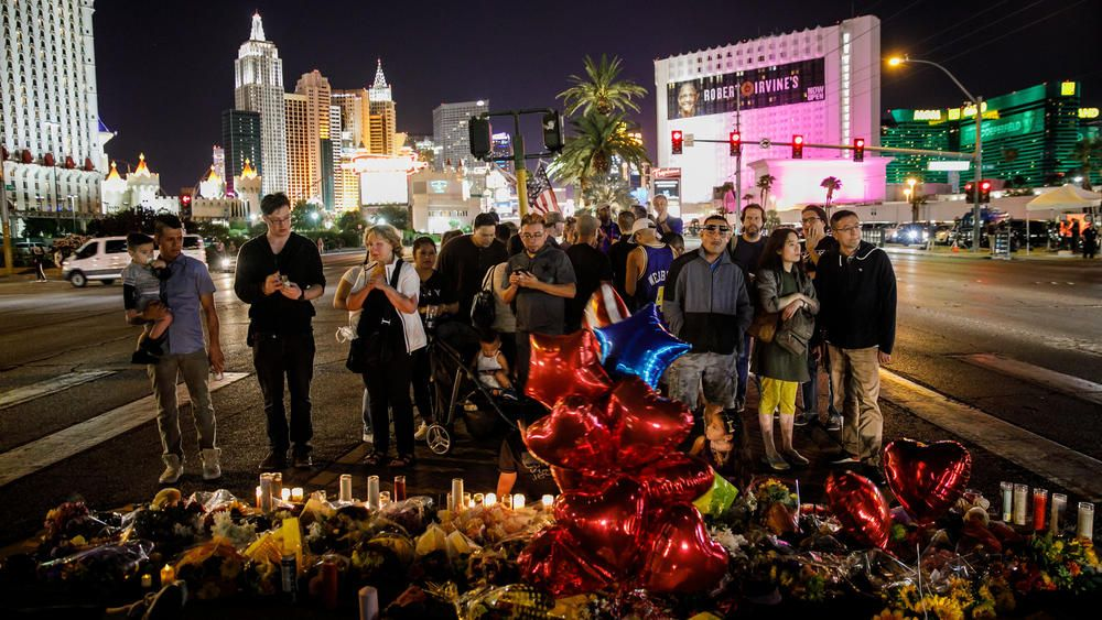 Here S What We Know And Don T Know About The Las Vegas Shooting Las Vegas Blvd Las Vegas Route 91