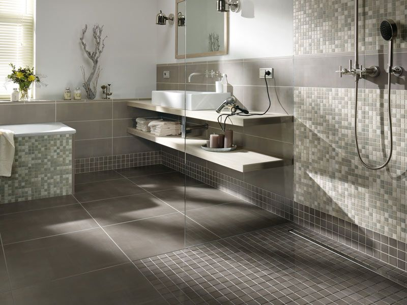 fliesen und mosaik in der begehbaren dusche bad pinterest begehbare dusche begehbar und. Black Bedroom Furniture Sets. Home Design Ideas