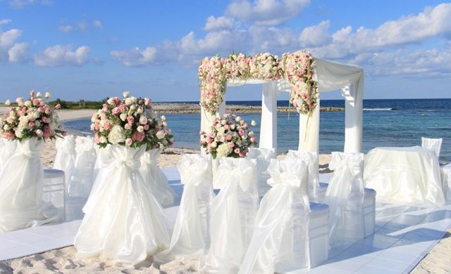 Planning A Wedding In The Bahamas Then You Want To Take Look At Atlantis Digital Books Destination