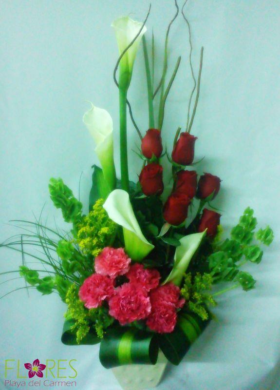 Arreglo Floral Con Alcatraz Rosas Claveles Y Follaje