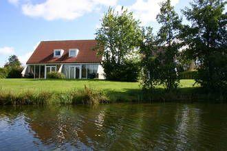Zeer luxe accommodatie, met o.a. sauna en sloep, op park met vele faciliteiten zoals een binnenzwembad #Nederland