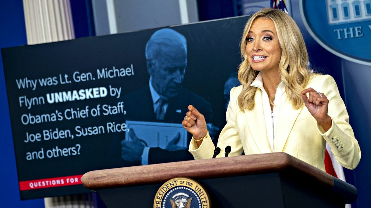 Kayleigh Mcenany Uses Slide Show To School Reporters On Obama Admin S Flynn Unmasking Scandal The Daily Wire In 2020 Kayleigh Mcenany Obama Scandal