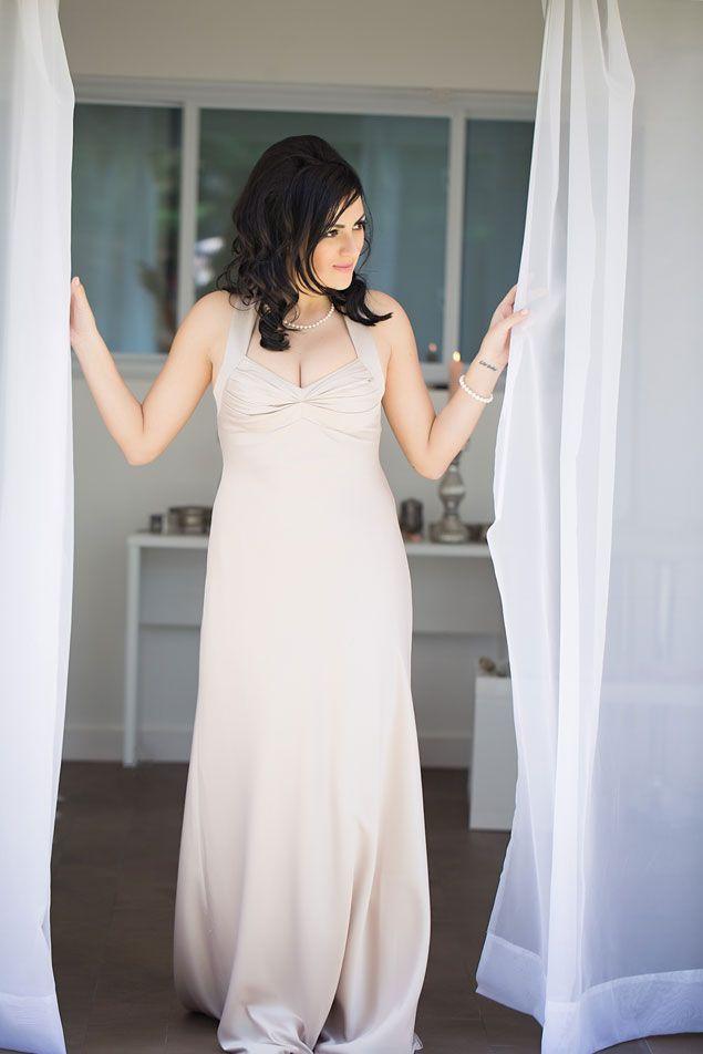 Bridal Photos | PHOTO SOURCE • MARI HARSAN PHOTOGRAPHY | Featured on WedLoft