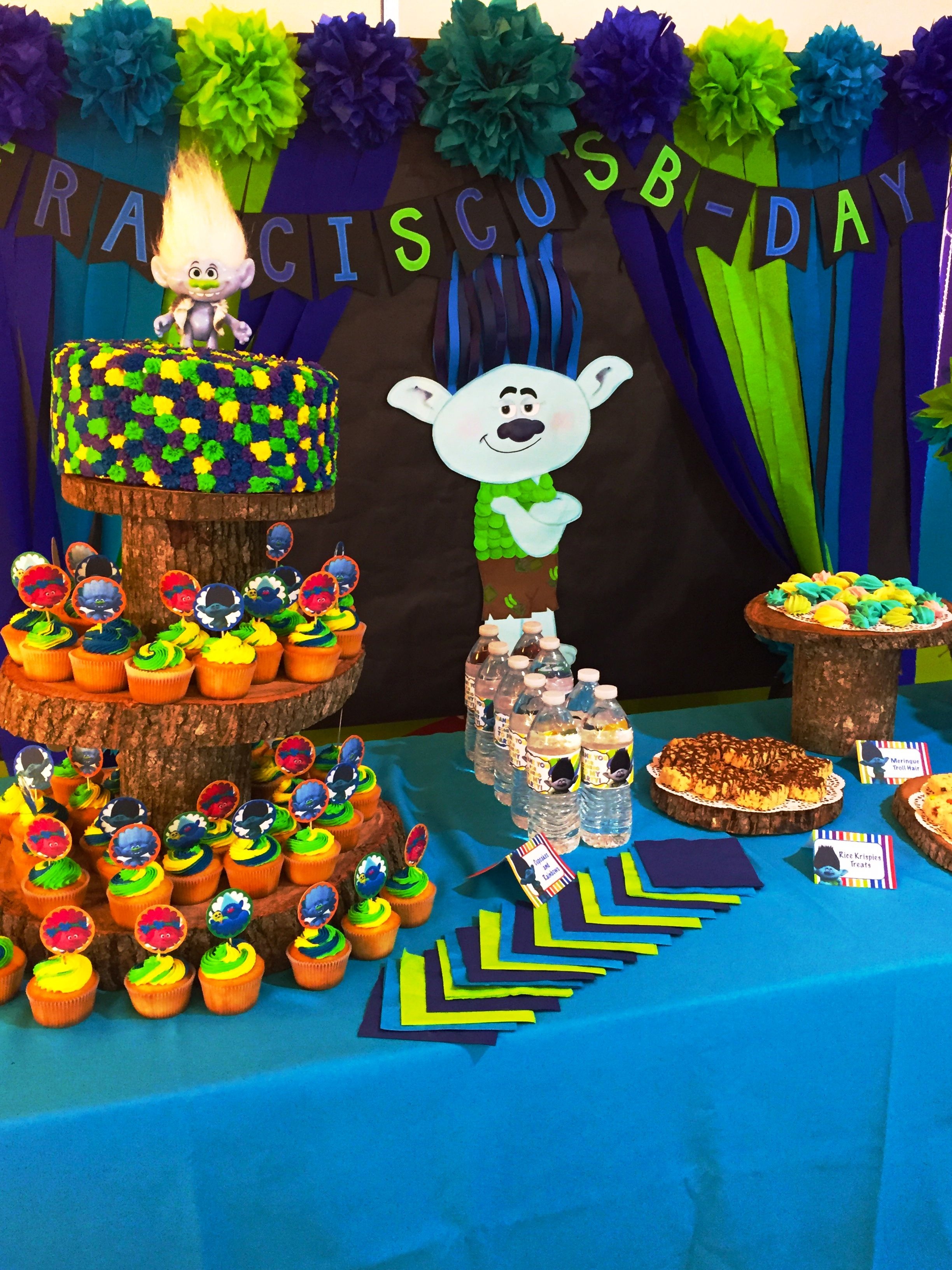Trolls birthday for boy cupcake stand cake branch