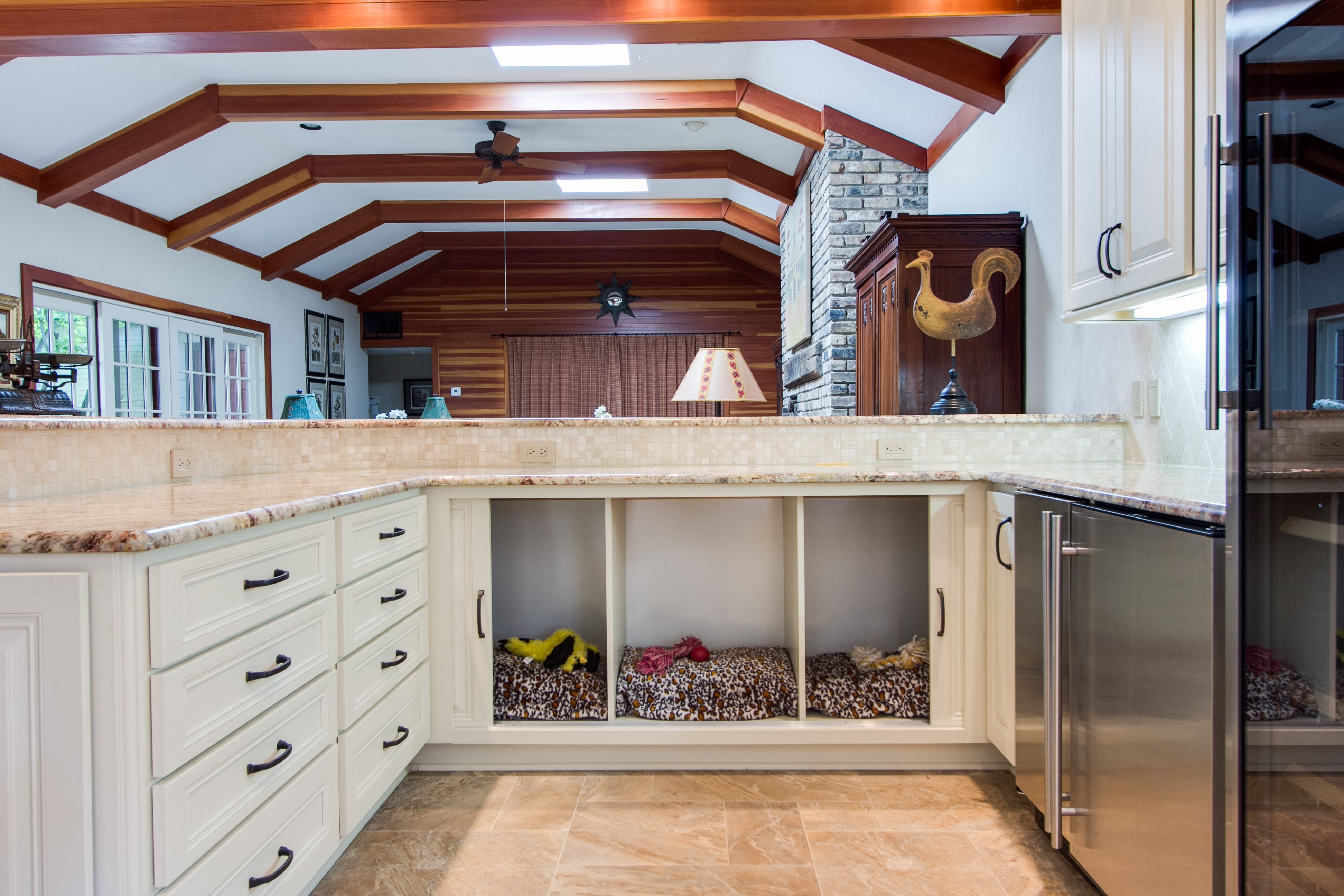 Custom dog sleeping area crestwood cabinetry wakefield for Kitchen design 75214