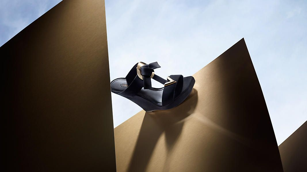 ce2422fb3d49 The V signature infiltrates the Louis Vuitton Women rsquo s Shoe collection  for Fall 2015