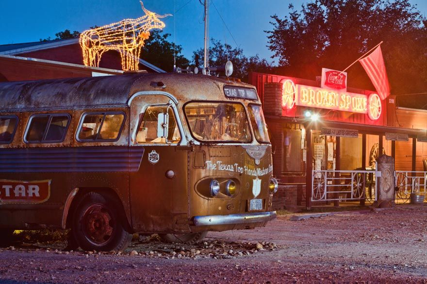 The Texas Top Hands Bus In Front Of The Broken Spoke Dance Hall On South Lamar Boulevard In Austin Texas The Tig Texas State Capitol Broken Spoke Austin