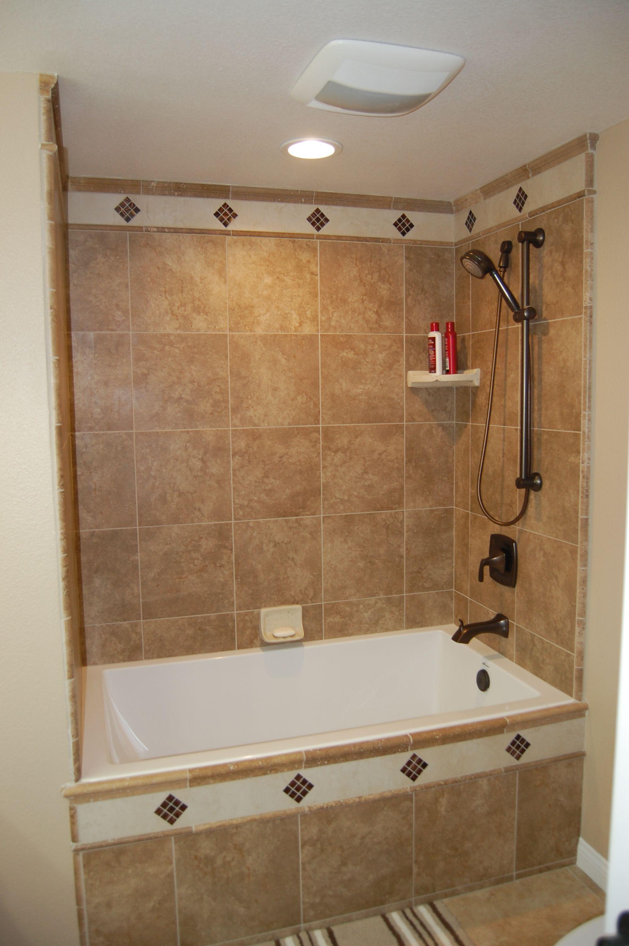 Tile work around shower/ bathtub combo | Bathrooms | Pinterest ...