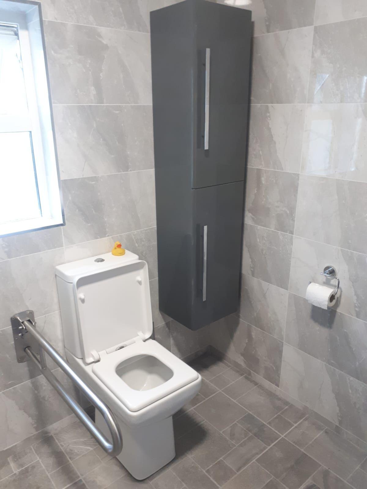 Pin by Rafael Cumbe on Big Rafa   Bathroom renovations ...