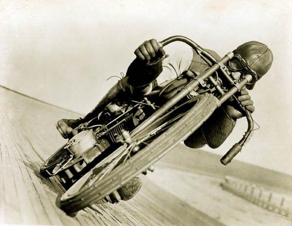 vintage-harley-davidson-motorcycles-rarecarrelics-vintage