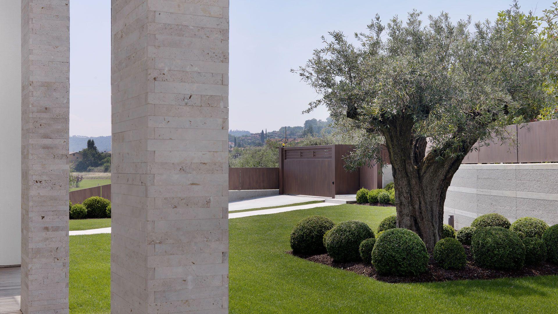 creazione giardini per ville moderne sf gardenhouse giardino architettura e progetti
