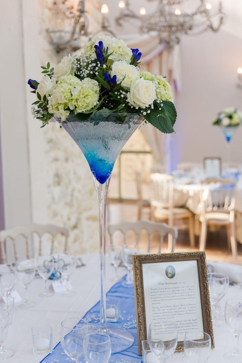 Idée décoration mariage bleu Vase Martini et composition