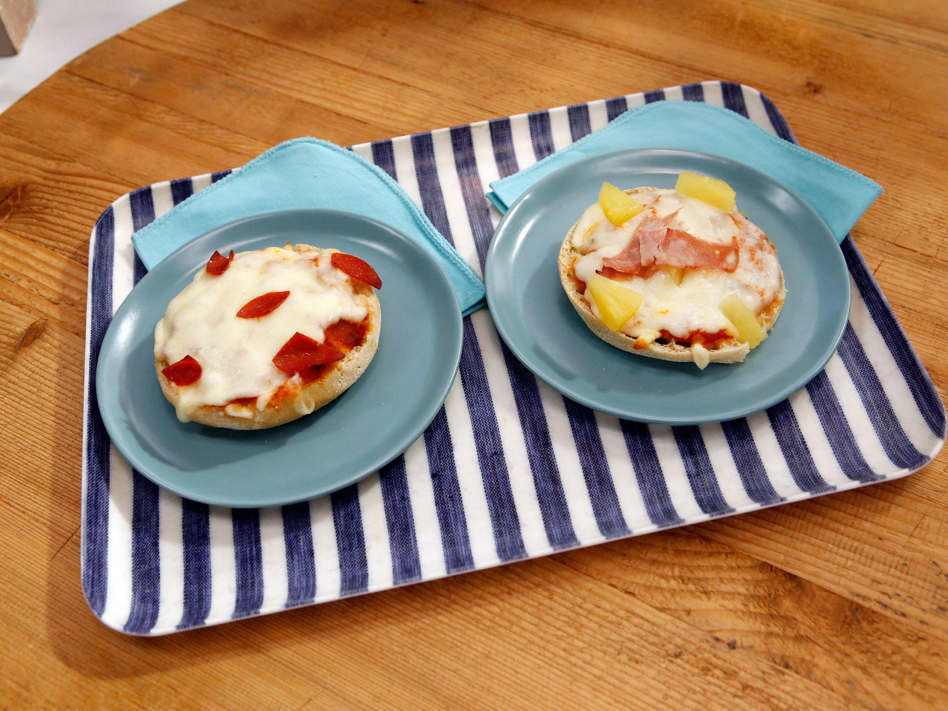Sunnys easy freeze and bake 247 mini pizzas recipe mini kitchen recipes forumfinder Choice Image