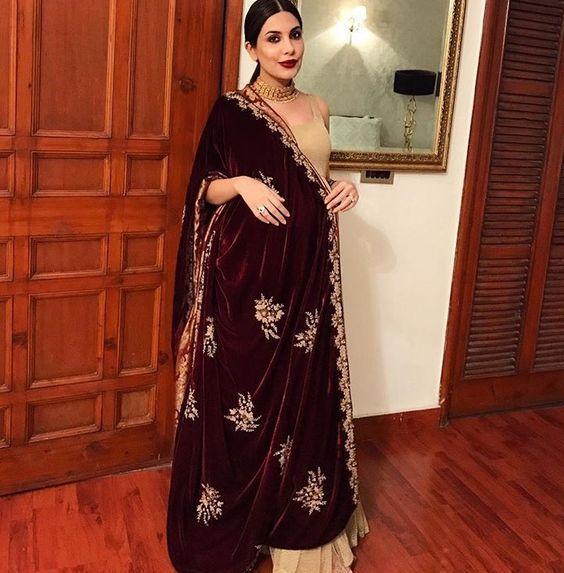 Pakistani Wedding Dresses For Pregnant Ladies