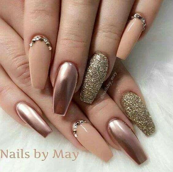 Pin de ShaRii LZ en Nails | Manicura de uñas, Uñas doradas, Uñas decoradas