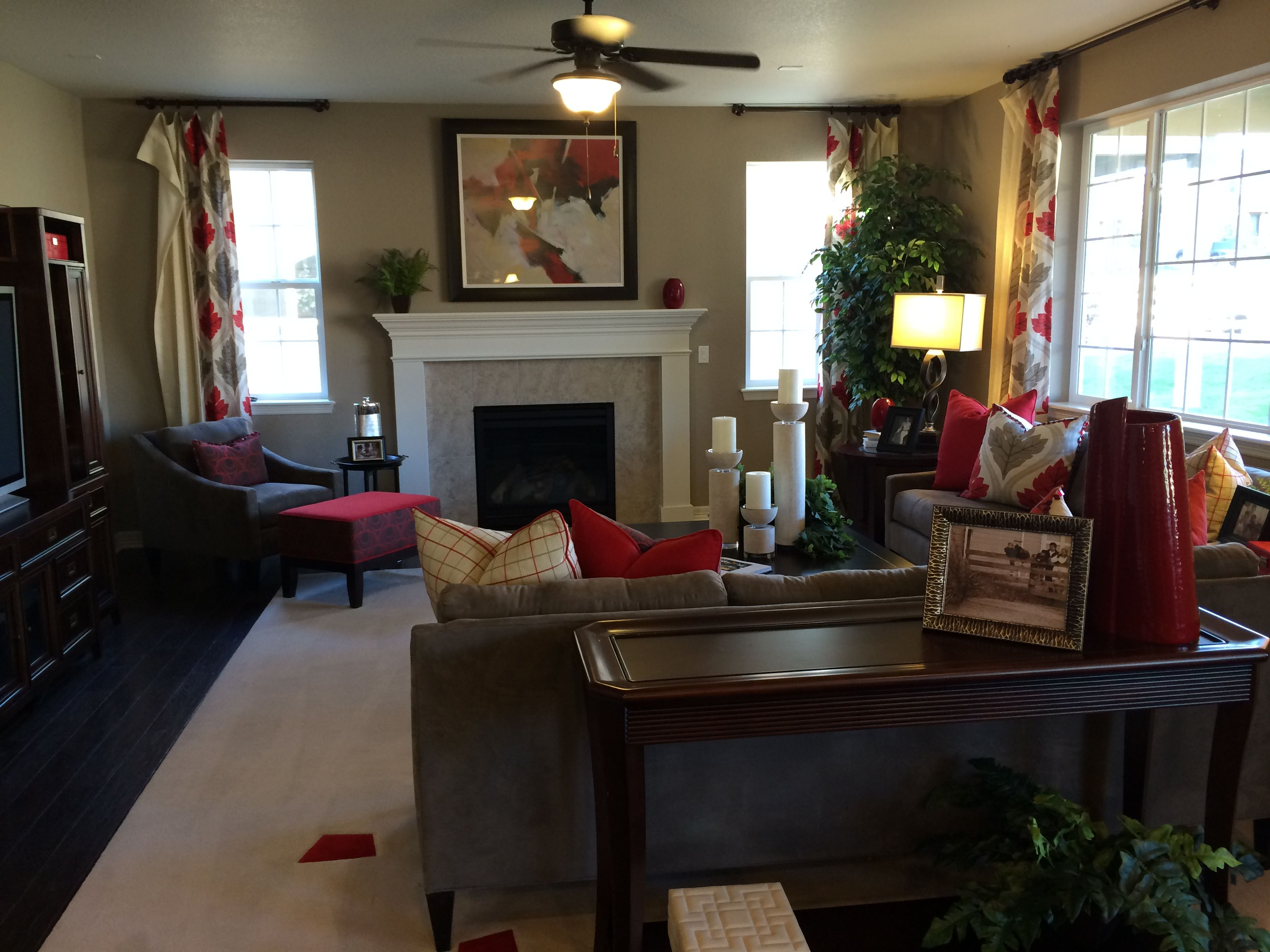 Great room by richmond american homes seth model new for Model home flooring