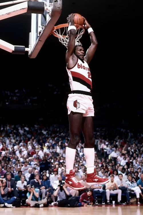 Clyde Drexler High Socks High Jumper Clyde Drexler Basketball Players Sports Basketball