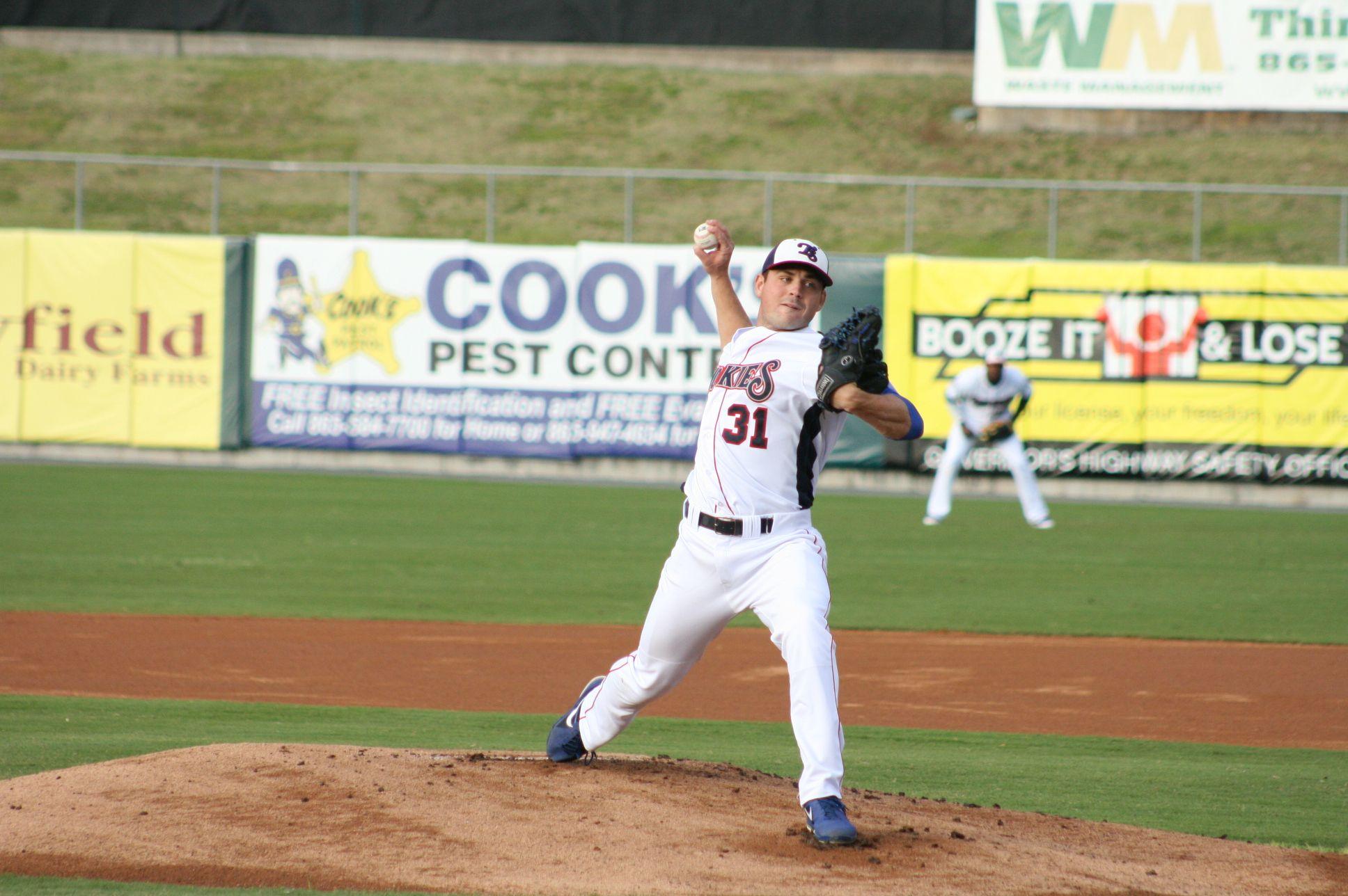 Rp Matt Loosen Baseball Players Minor League Baseball Tennessee Smokies