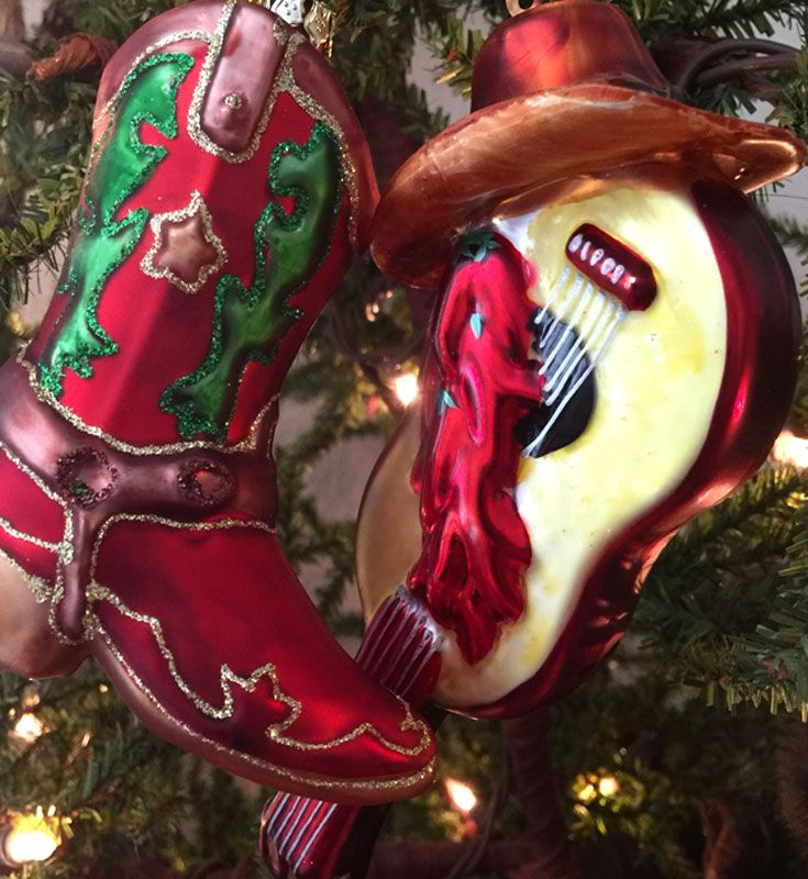 Is Chilis Open On Christmas.Cowboy Christmas Ornaments Glass Boot And Guitar With Chili
