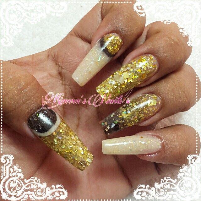 #Nails #uñas #nailspretty #nailsdesign #acrílico #acrylicnails #uñasbellas #uñashermosas #uñasguapas #guapuras #diseño #kimerasnails #glitter #acrilicodecolor #nailsgold #nailsbeige   #chocolate