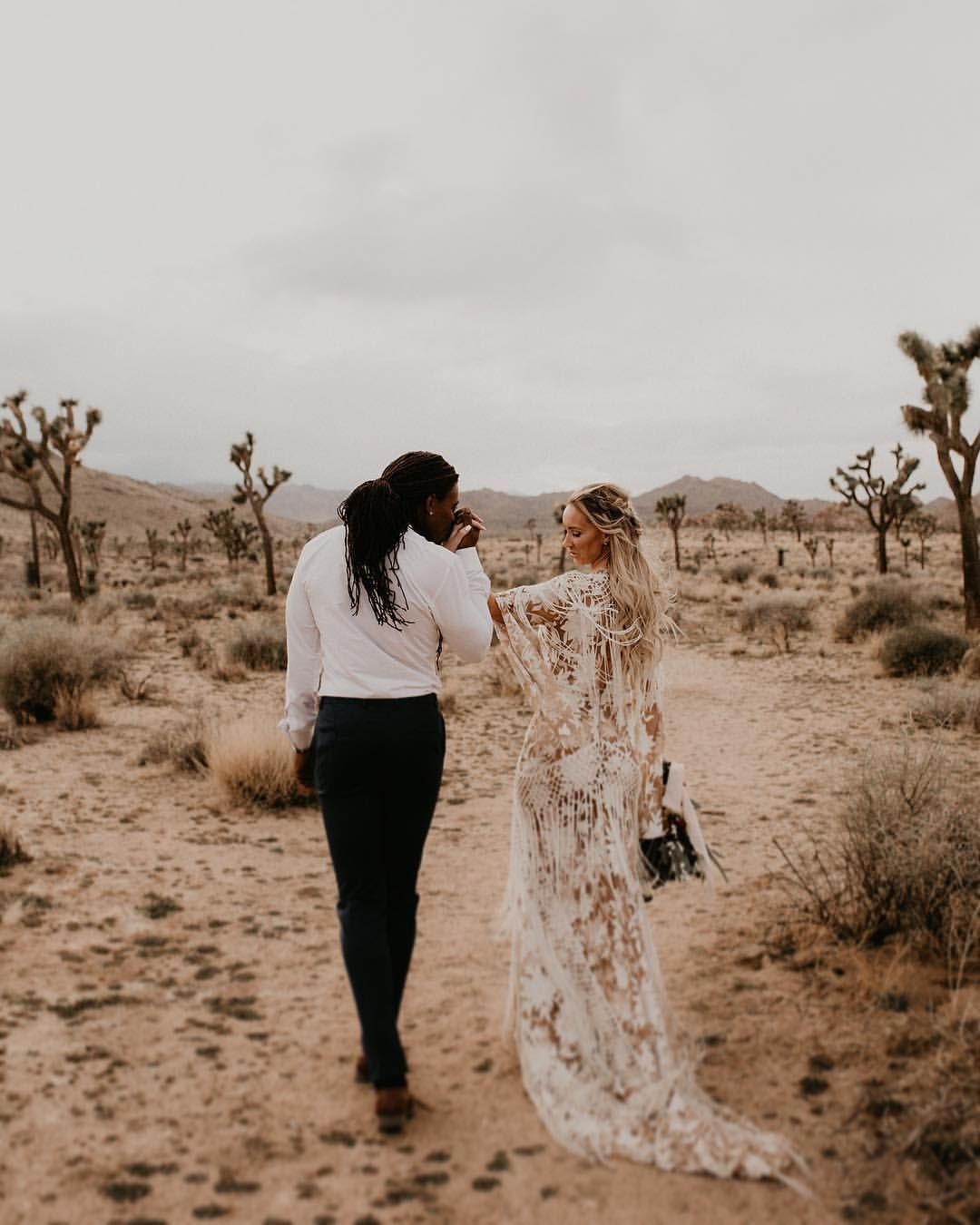 The Knot Or Zola Wedding Website: Instagram.com/kaylasprint