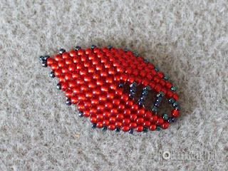 Russian Leaf - very detailed tutorial w/good pictures.  Needs translation. #Seed #Bead #Tutorial