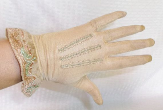 1930's Vintage Beige Silk Gloves with Embroidery on Wrists Size 6 1/2