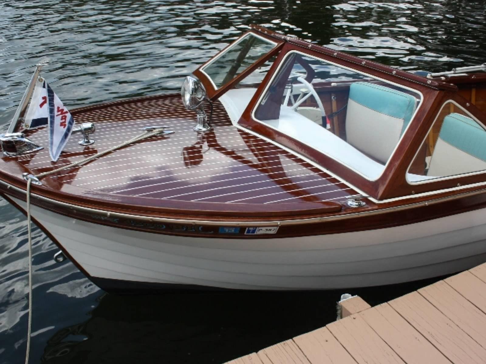 Vintage fiber classic boats