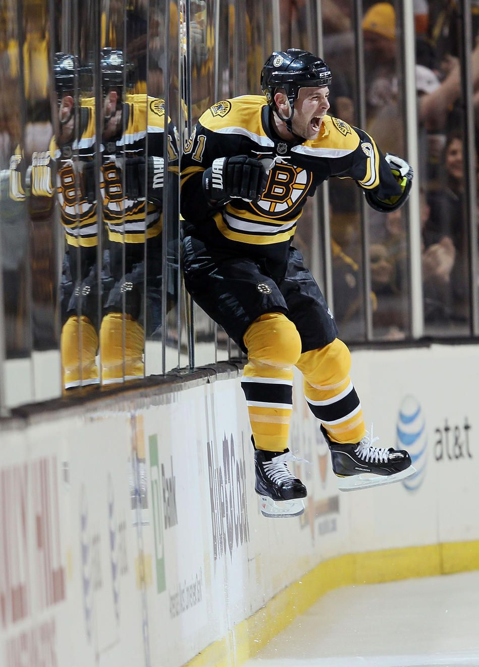 Not Sure I Ve Ever Seen Such A Cool Reflection In The Glass For Hockey Before Boston Hockey Boston Bruins Hockey Bruins Hockey