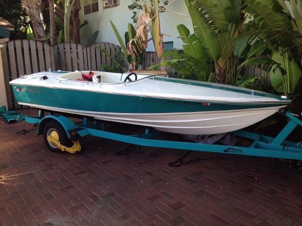 1997 16' Donzi Sweet 16 teal blue hull and stripe  white