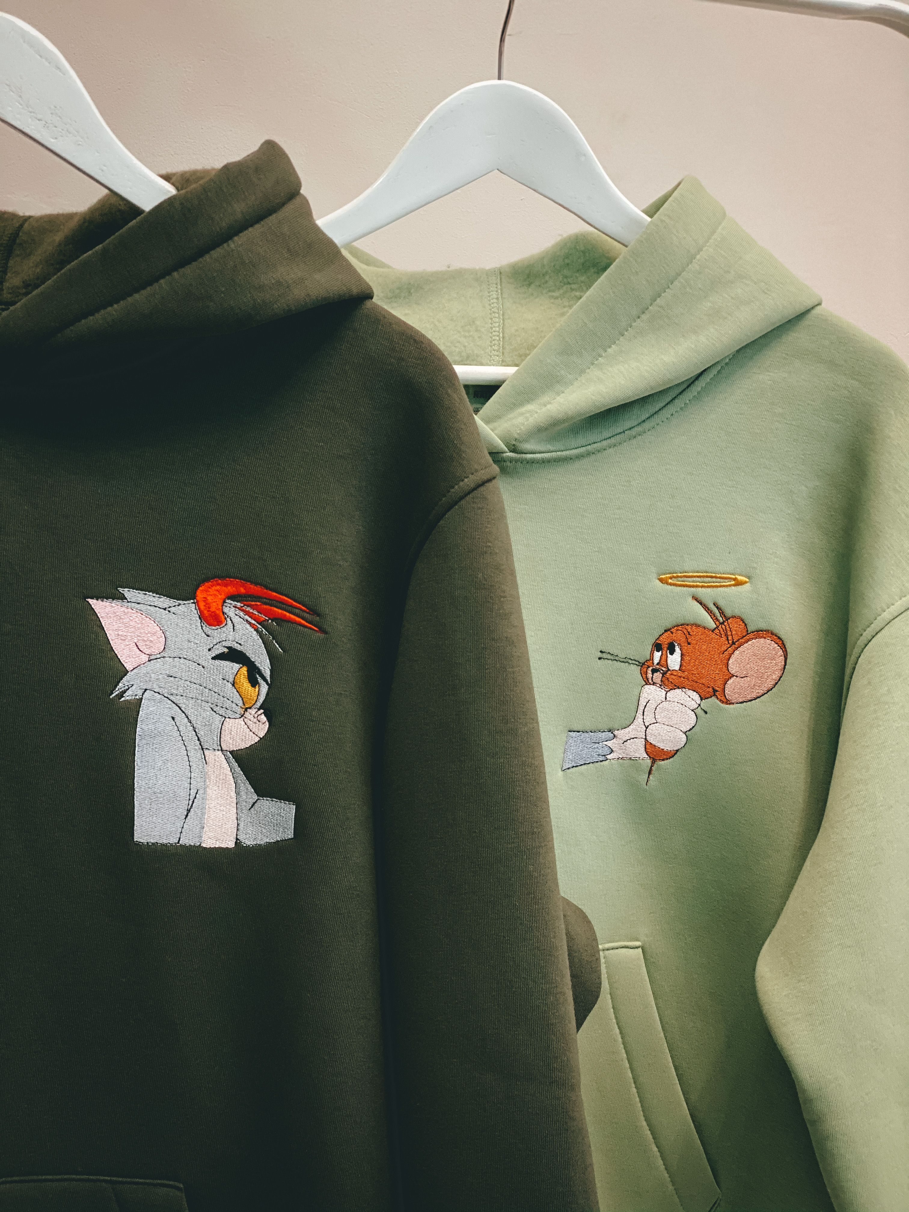 Couple Embroidered Cat And Mouse Hoodies Unisex Cartoon Animals Sweatshirts Tshirts Gift For Her And Him In 2021 Couples Hoodies Hoodies Matching Couple Outfits [ 4032 x 3024 Pixel ]