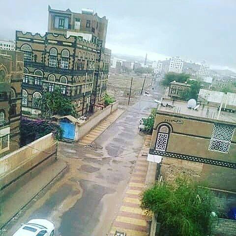 اجعل العالم يعرف اليمن السعيد بنشر الحساب اليمن السعيد إب صنعاء عدن عمران ابين الضالع البيضاء الحديد Building Yemen Sidewalk