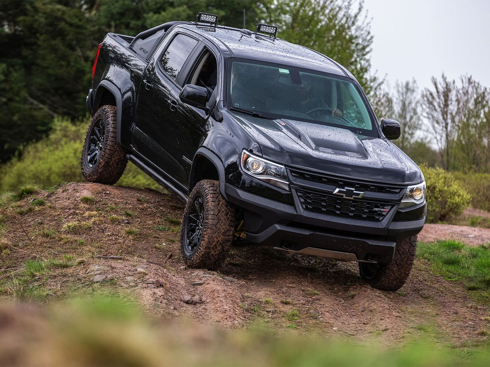 Image Result For 2019 Chevy Colorado Zr2 Midnight Light Bar Chevy Colorado Chevy Colorado Z71 Chevy