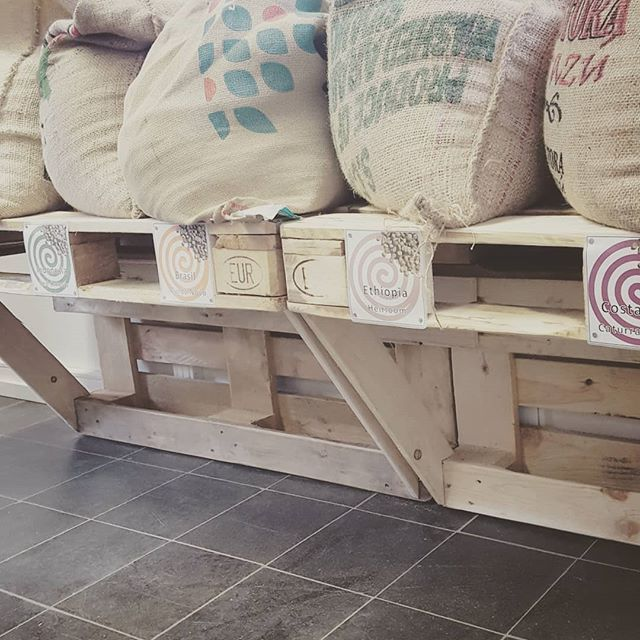 The Pinterest Proven Formula For The Ultimate Cozy Bedroom: How To Store #green #coffee #beans / #greencoffeebeans