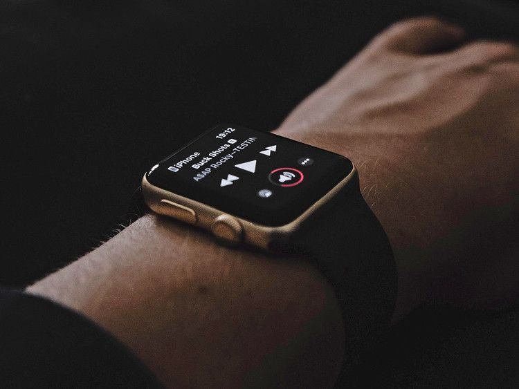 Seven music apps to turn your Apple Watch into an audio