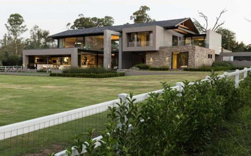 Decorations Modern Farmhouse Architecture With Square