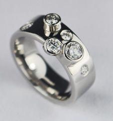 contemporary platinum diamonds ring - Contemporary Wedding Rings
