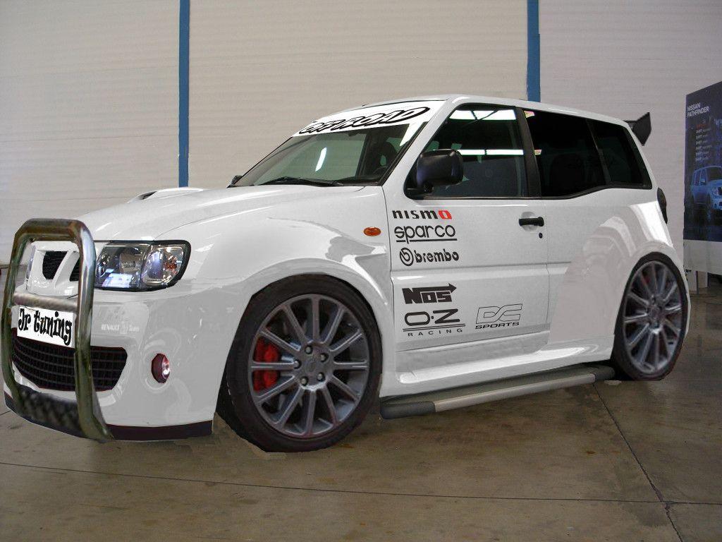 Nissan Terrano white