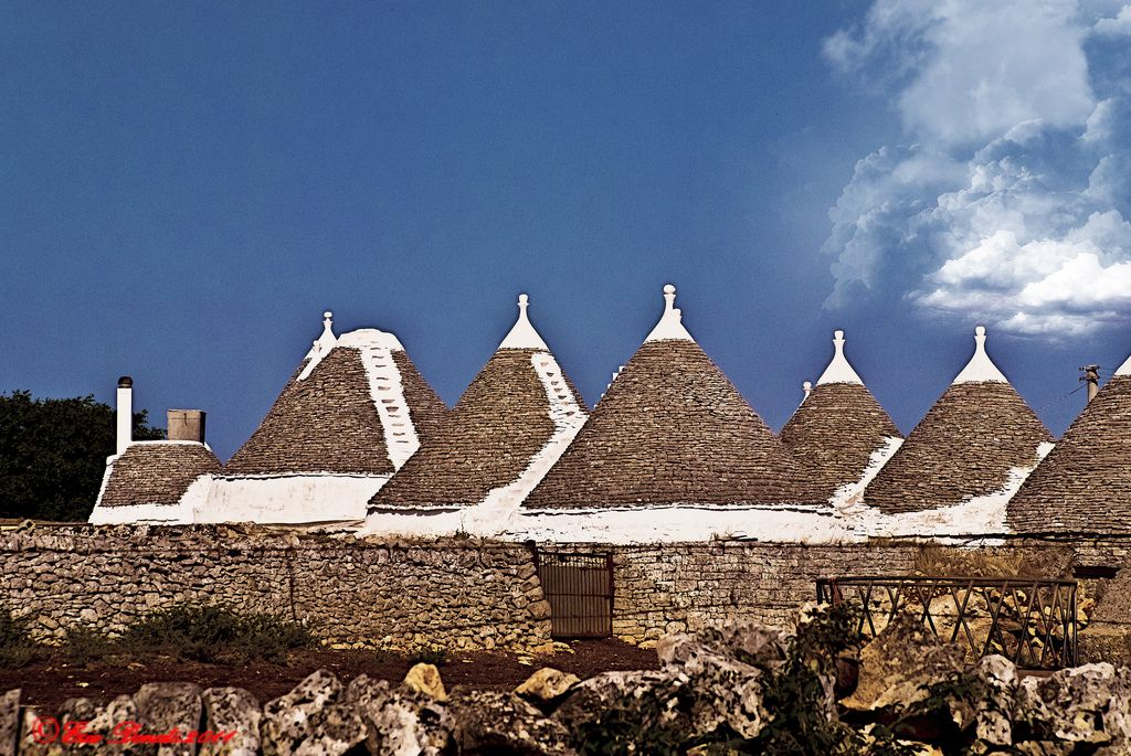 TRULLI NELLA CAMPAGNA PUGLIESE ----- TRULLI IN PUGLIA COUNTRYSIDE | Flickr - Photo Sharing!
