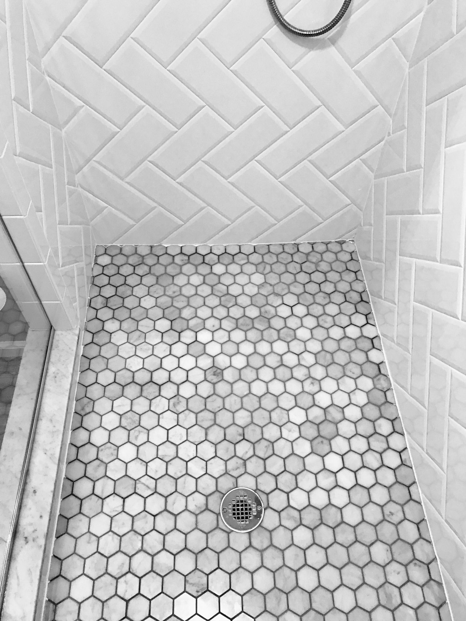 Bathroom floor tile. Herringbone beveled white subway tile. Marble ...