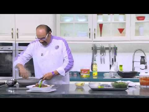 طاجن بامية باللحمة المفرومة الشيف شربيني Food And Drink Chef Food