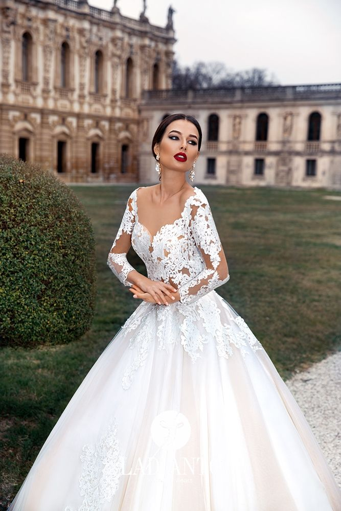 TheFashionBrides is a complete guide to all bridal designers ...