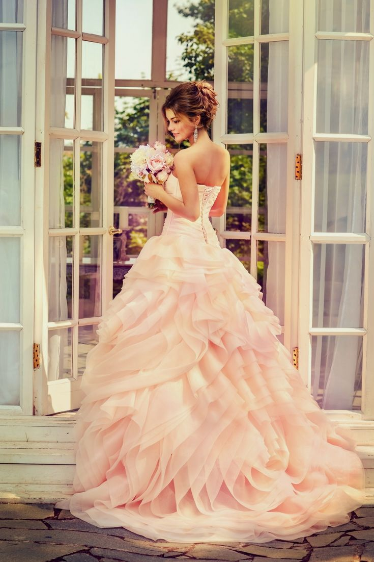 The top wedding dresses gallery searching for the modern bridal