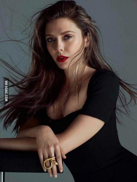 The Beautiful Elizabeth Olsen A K A Scarlet Witch In The Avengers Elizabeth Olsen Scarlet Witch Elizabeth Olsen Olsen